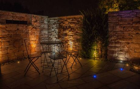 Gartenmauer mit LED Beleuchtung