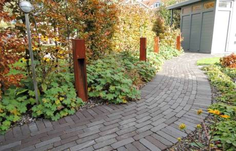 Wege aus Klinkerpflaster Farbe: dunkelbraun