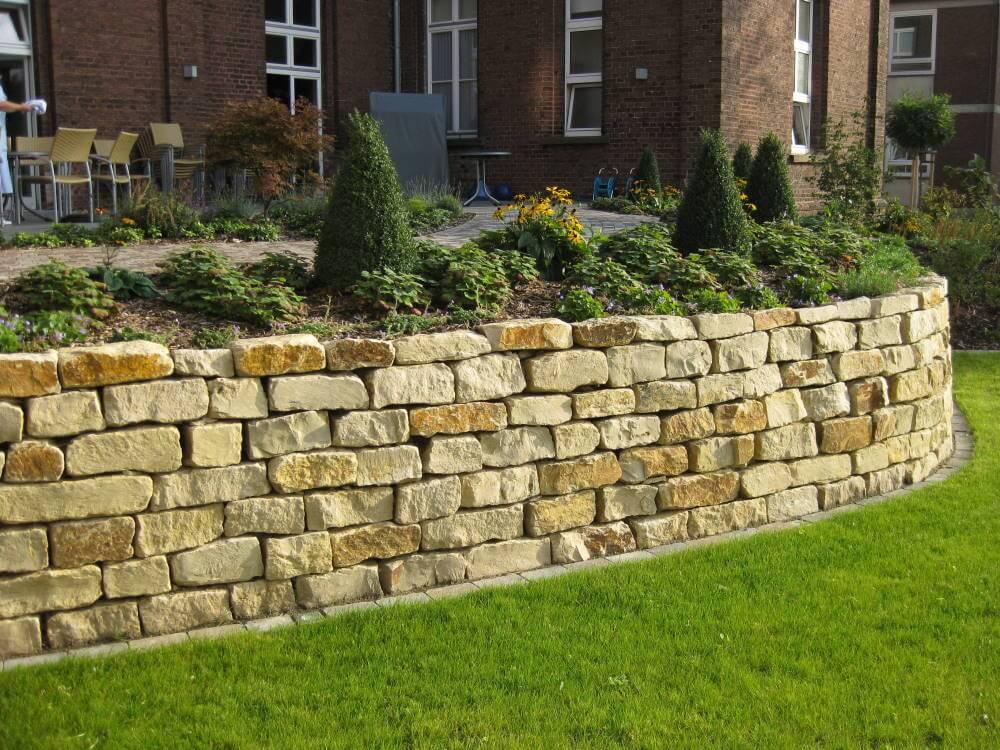 Natursteinmauer garten traumgarten - Natursteinmauer garten ...