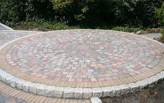 Urbanitpflaster 3-farbig mit Granitbänderung
