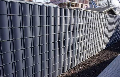 Stahlgitterzaun mit Sichtschutzstreifen 180 cm hoch