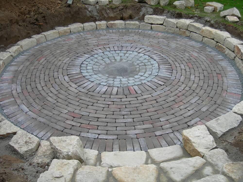 Sitzplatz naturnaher Garten