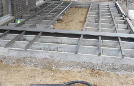 Unterkonstruktion für eine WPC Terrasse