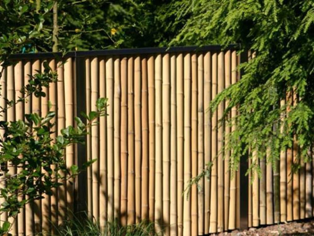 Sichtschutzzaun aus Bambus