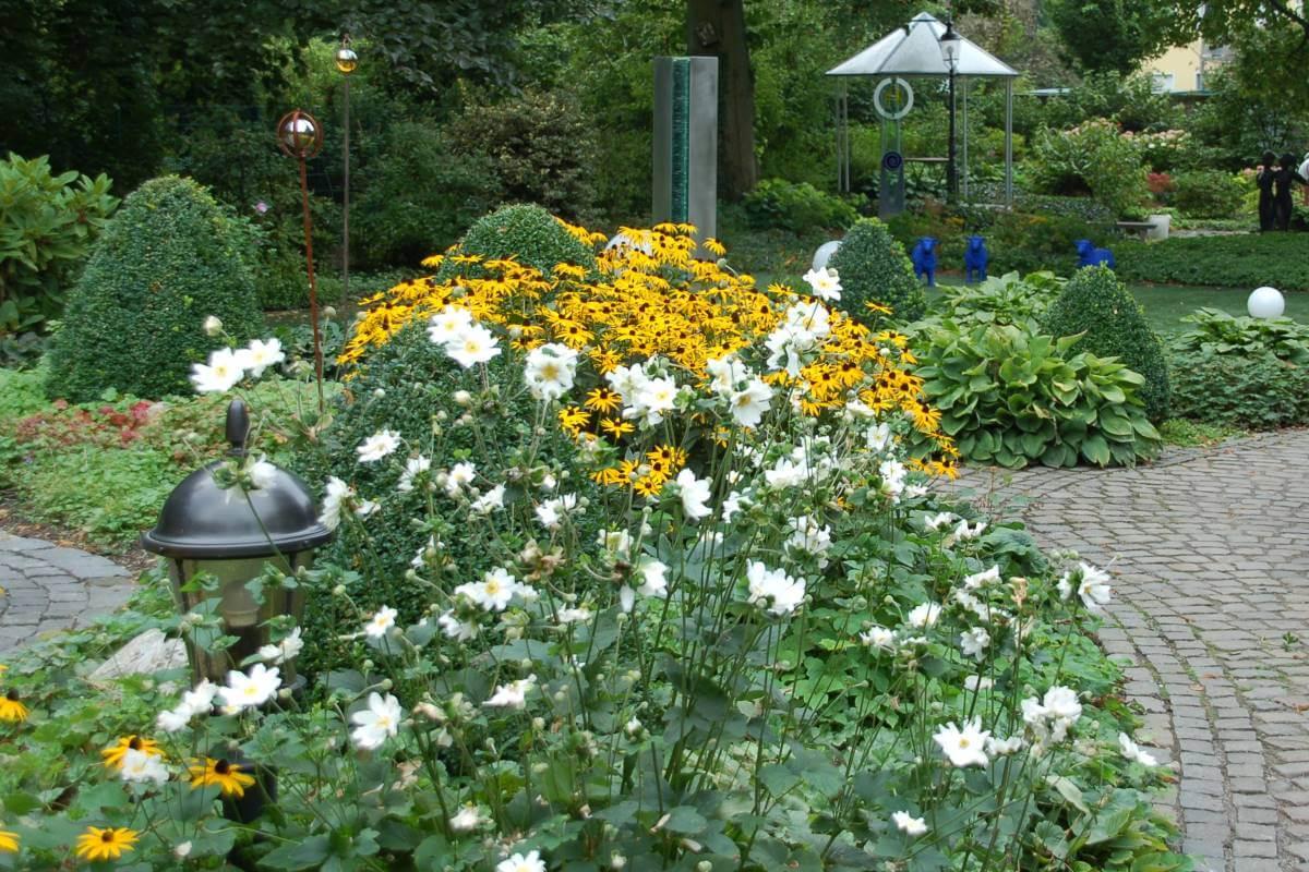galabau m hler garten bepflanzen traumgarten. Black Bedroom Furniture Sets. Home Design Ideas