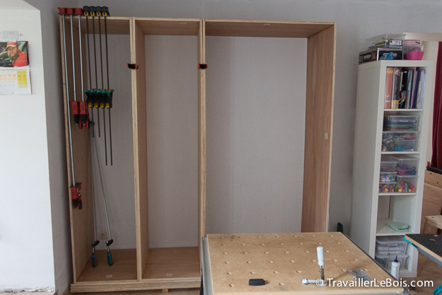 fabrication d un placard 2 me partie travailler le bois. Black Bedroom Furniture Sets. Home Design Ideas