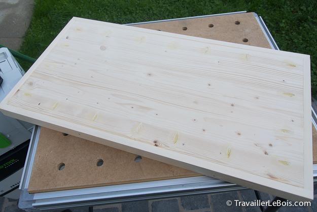 Panneau de bois en sapin lamellé collé