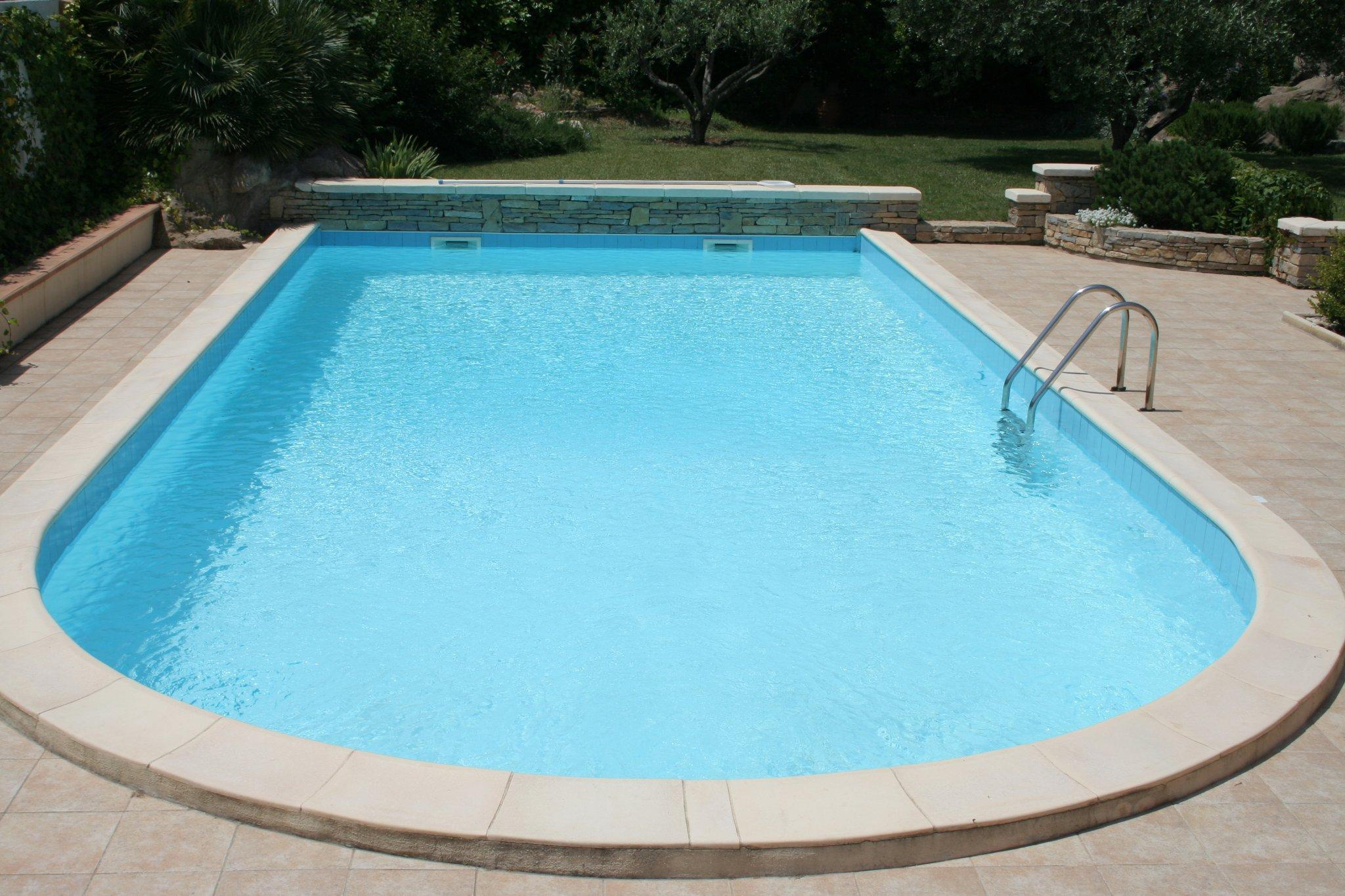 pourquoi choisir une piscine coque