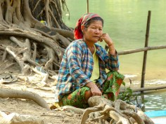 Burmese woman at lake next to Saddan Cave