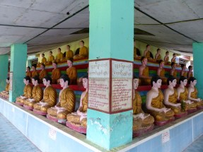Buddhas in a small temple in Hpa-An