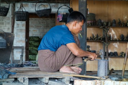 Many forges operate around Inle Lake producing knifes and parts for farming equipment