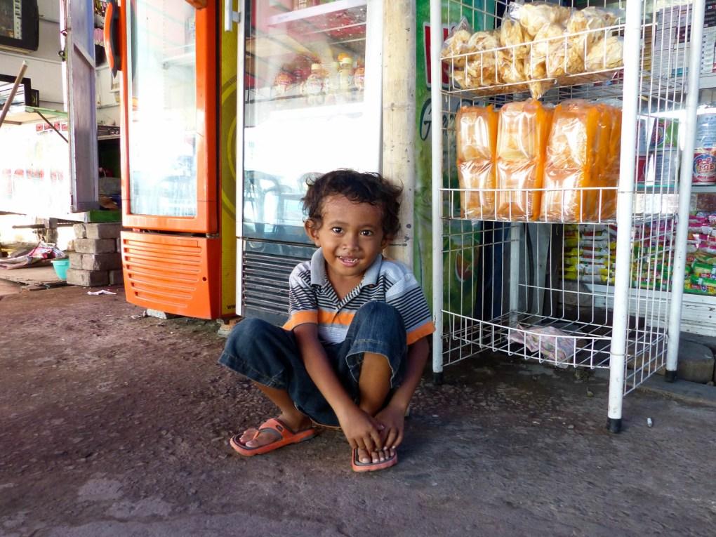 Makassar - laughing kid Christian Jansen & Maria Düerkop