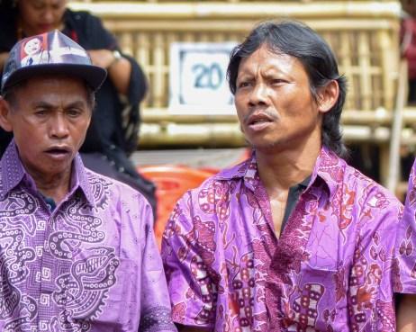 Tana Toraja Funeral Ceremony - chanting man Christian Jansen & Maria Düerkop