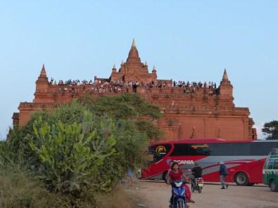 Mass tourism: Sunset spot - Bagan temple Christian Jansen & Maria Düerkop