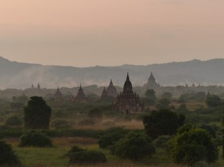 Sunset over Bagan plain Christian Jansen & Maria Düerkop