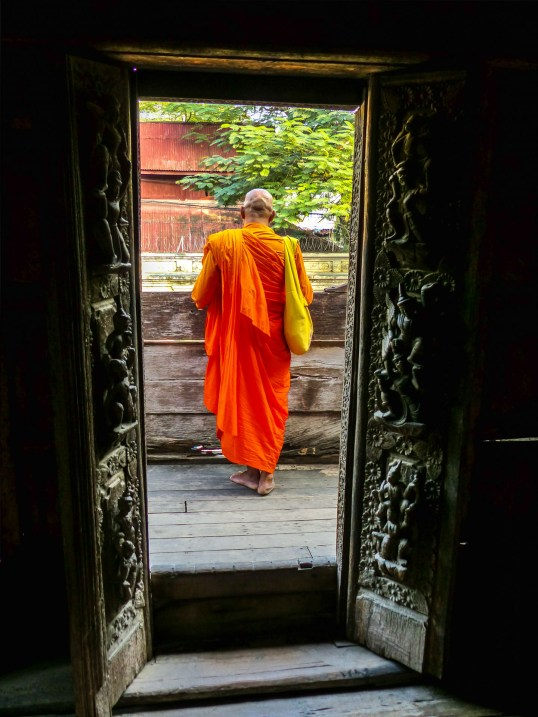 Mandalay - Buddhist monk at teak monastery Christian Jansen & Maria Düerkop