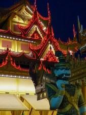 Mandalay - A lot of lights on the temples Christian Jansen & Maria Düerkop