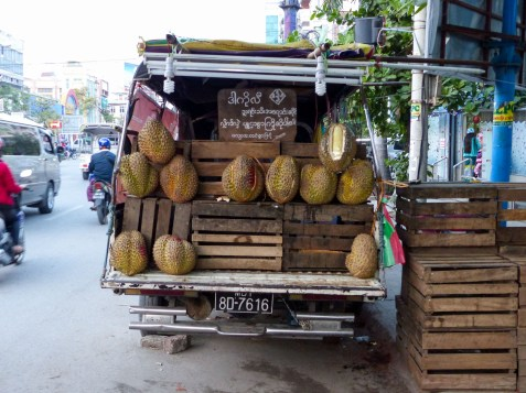 Mandalay - You smell it from far: Durian sales stand Christian Jansen & Maria Düerkop