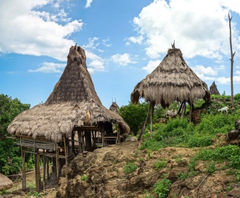 Sumba - village house for the spirits of the dead ancestors Christian Jansen & Maria Düerkop