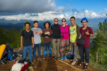Tana Toraja - with a group of young indonesian hikers Christian Jansen & Maria Düerkop