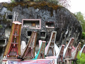 Tana Toraja - stone graves and traditional coffin carriers Christian Jansen & Maria Düerkop