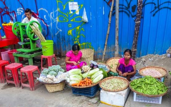 Yangon - Colorful market scene Christian Jansen & Maria Düerkop