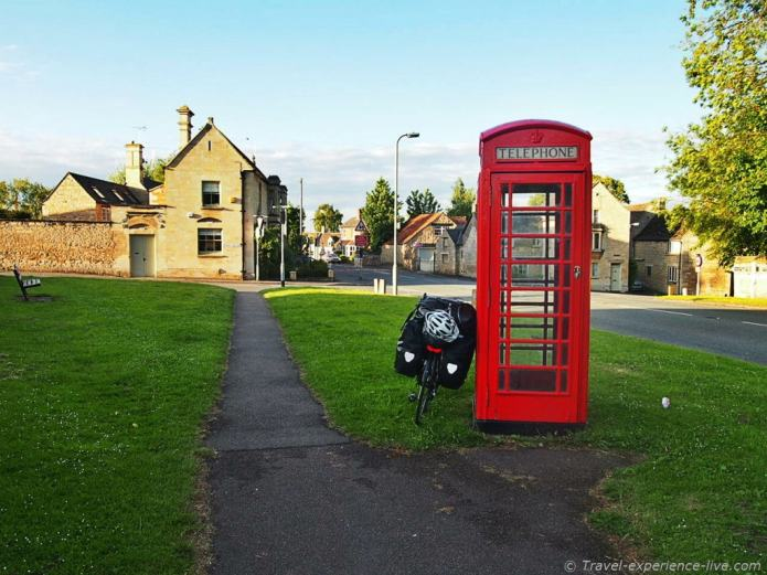 Cycling England, telephone cell.