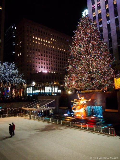 Ice skating and the Christmas tree at Rockefeller Center, New York City.