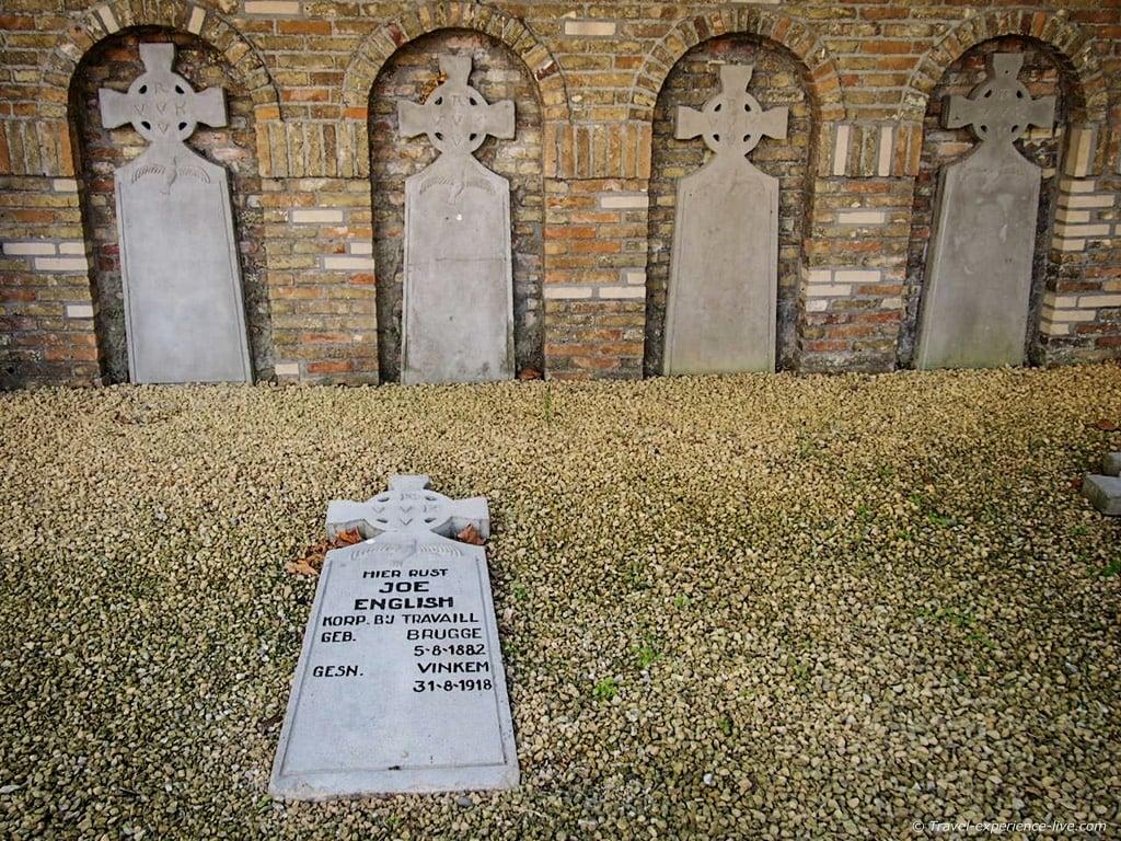 Joe English' grave, Belgium
