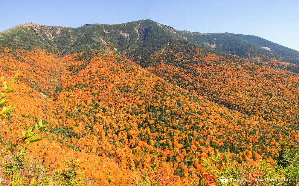 Fall foliage in Franconia Notch, New Hampshire