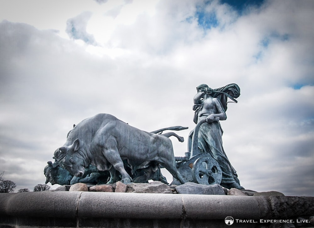 The Gefion Fountain depict the goddess Gefion and four oxen