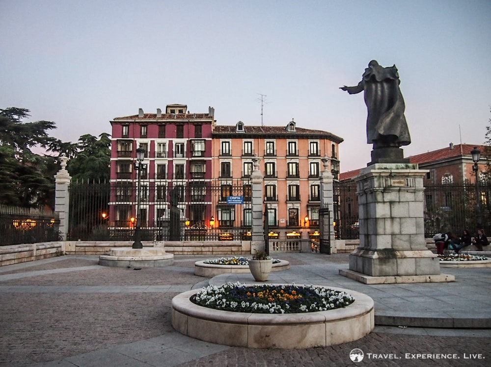 Madrid in a nutshell: small squares, statues, beautiful architecture