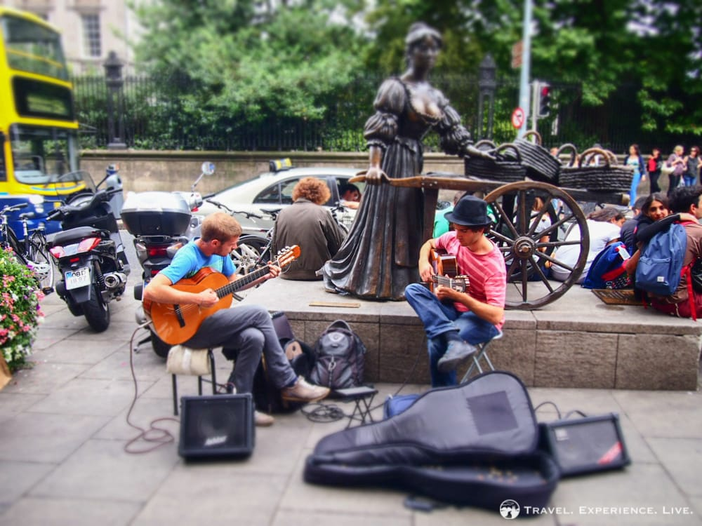 Buskers next to the Molly Malone Statue, Dublin