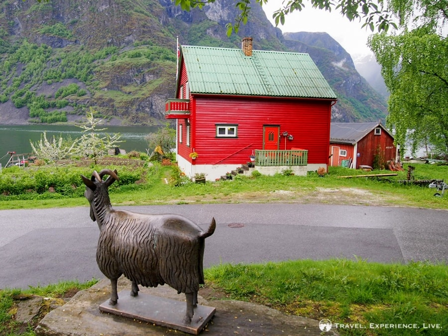 Goat statue in Undredal