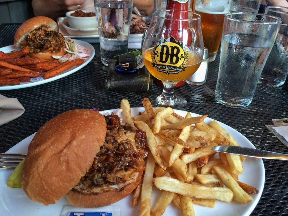 Pulled pork sandwich, Devils Backbone Brewing Company