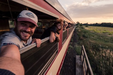 voyage-train-amis