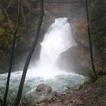 travel-slovenia-waterfall-sum-view