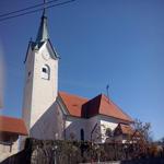 travel-slovenia-church-of-st-claus-view