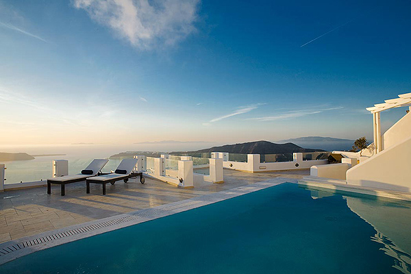 Above blue suites Hotels in Imerovigli Santorini Greece