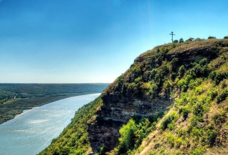 30 Postcards Project in Moldova: 6 Destinations in 2 Days
