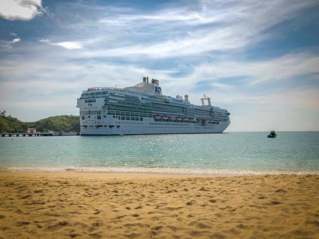 Island Princess - Best Cruise Ship at Huatulco Beach 2019