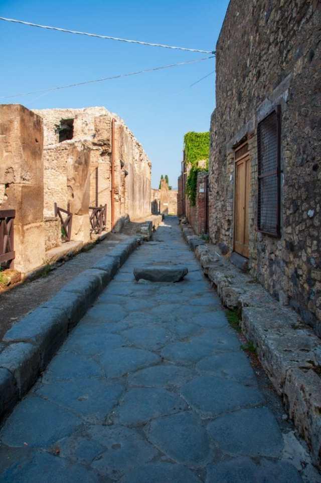 Roman road in Pompeii
