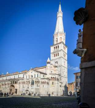 Modena the Duomo from the Piazza