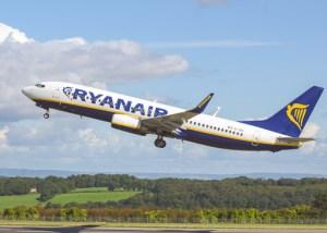TravelAfter5_Slovakia_Bratislava_101_Ryanair Plane
