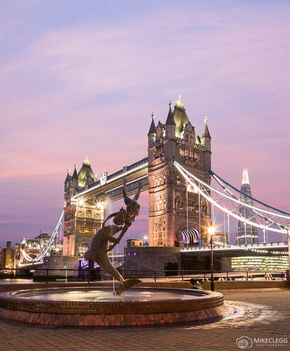Tower Bridge ao pôr do sol