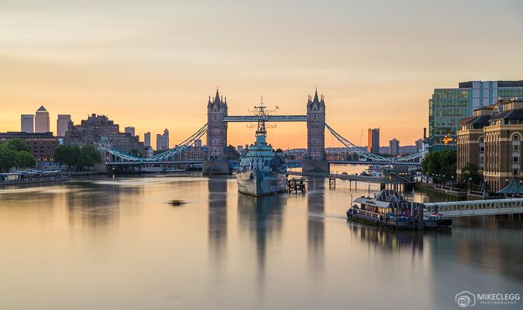 Sunrise e Tower Bridge, Londres