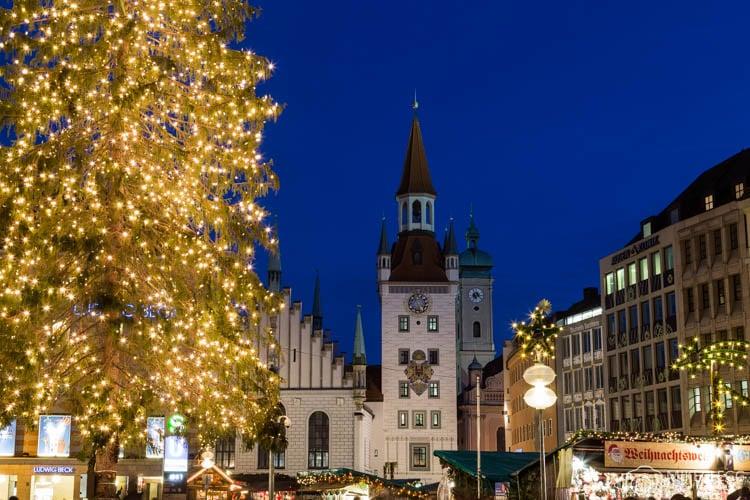 Mercado de Natal de Munique na Marienplatz