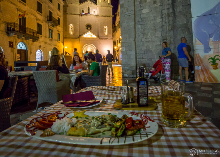 Restaurantes na cidade velha de Kotor