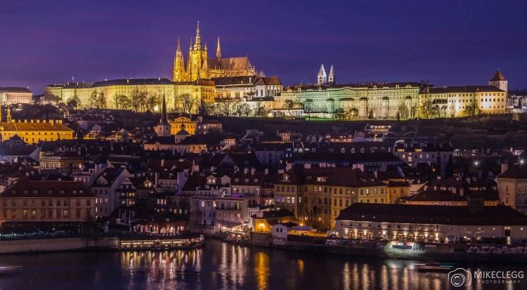 Skyline de Praga à noite