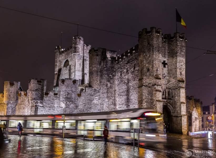 Castelo Gravensteen à noite, Ghent